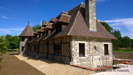 maison normande colombages briques pierres tour pays d'auge rénovation extension agrandissement