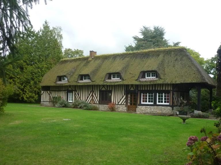 branellec bataille architecte agrandissement extension maison colombage bardage bois chaume vegetalise contemporain saint desir