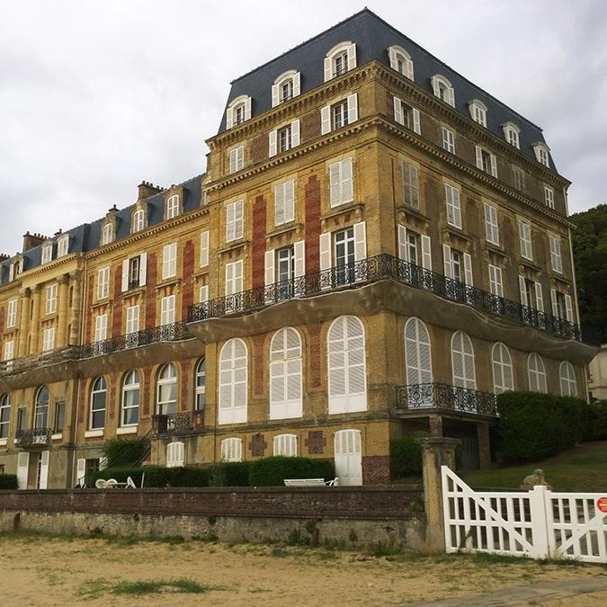 branellec bataille architecte renovation balcons roches noires trouville sur mer